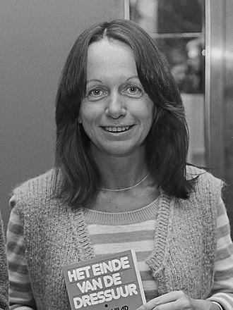 330px-Esther_Vilar_(1977)